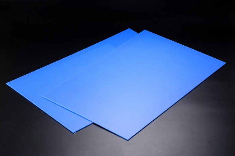 プラスチック高精度プレート「FULL FLAT Lite」